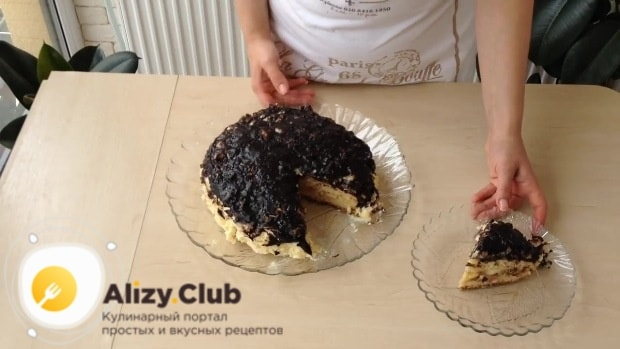 Украшаем торт шоколадной глазурью