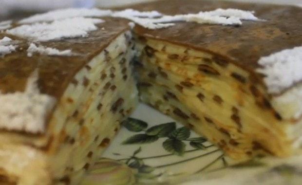 Пошаговый рецепт приготовления блинного торта со сгущенкой с фото