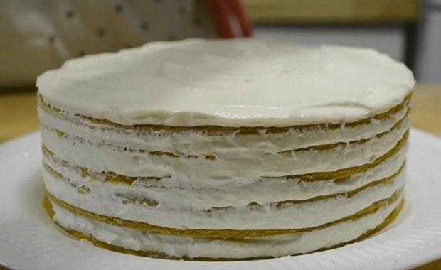 Пошаговый рецепт крема для торта «Медовик»