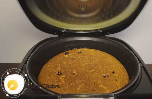 Перевернув изделие, выпекаем его еще 20 минут.