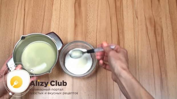 Для приготовления макового кекса приготовьте глазурь.