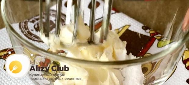 Попробуйте приготовить масляный крем со сгущенкой для торта