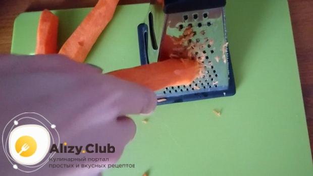 Перед тем как приготовить морковный торт со сметанным кремом подготовьте все ингредиенты.