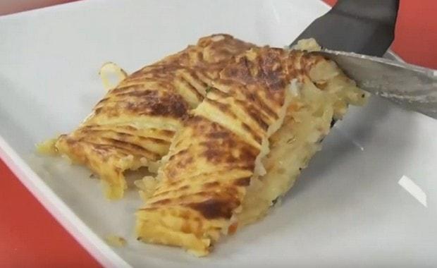 Как приготовить пирог с квашеной капустой в духовке по пошаговому рецепту и фото