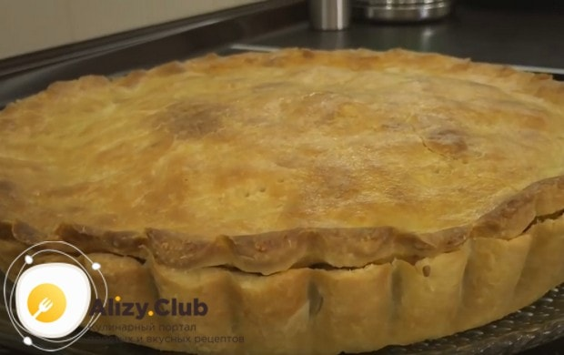 Теперь вы знаете, как испечь пирог с мясом из вкуснейшего песочного теста.
