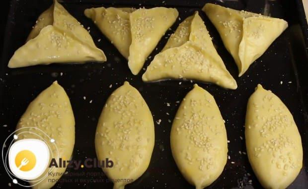 Приготовленные по этому рецепту пирожки тыквой будем печь в духовке.