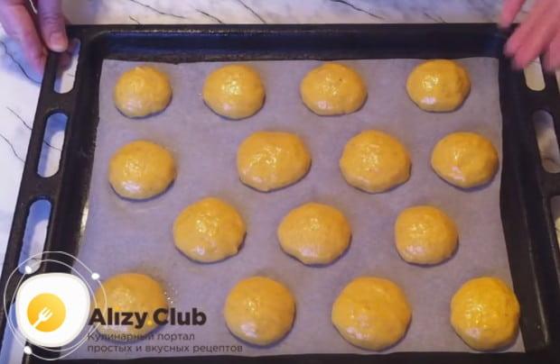 Печенье делаем в виде шариков.