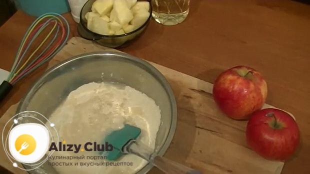 Попробуйте приготовить постные пироги с яблоками в духовке.