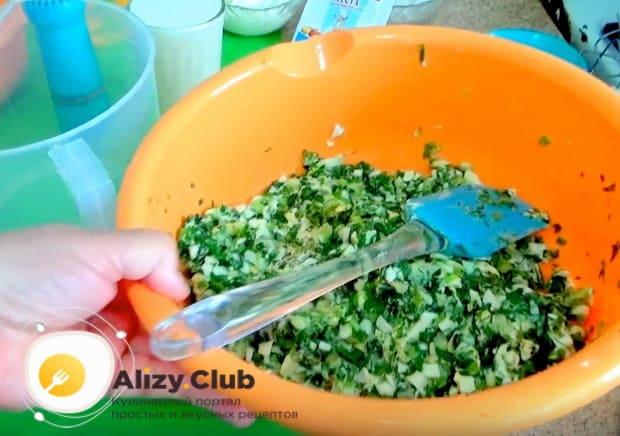 Замешиваем начинку для пирогов с зеленым луком и с яйцом