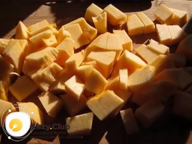 Вкусная пшенная каша с тыквой на молоке готовится легко.