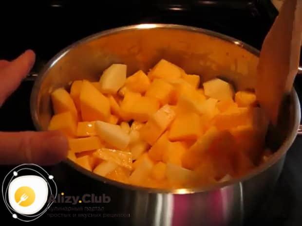 Для приготовления пшенной каши с тыквой на молоке, подготовьте все ингредиенты.