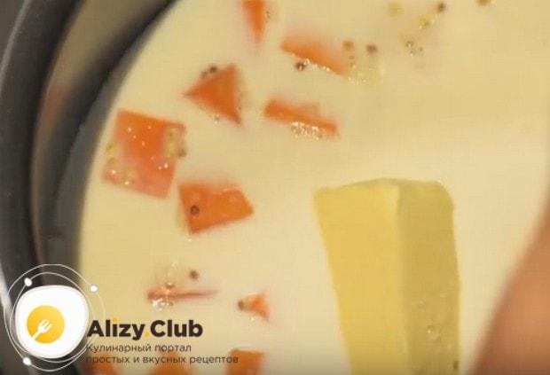 Не забудьте положить также кусочек сливочного масла перед тем, как запускать программу варки каши.