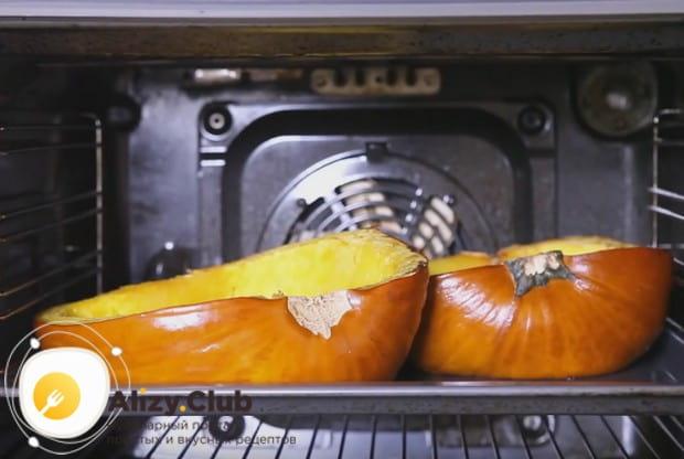 Запекаем овощ, пока он не станет мягким.