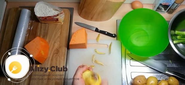 Для приготовления лраников из тыквы, подготовьте ингредиенты.