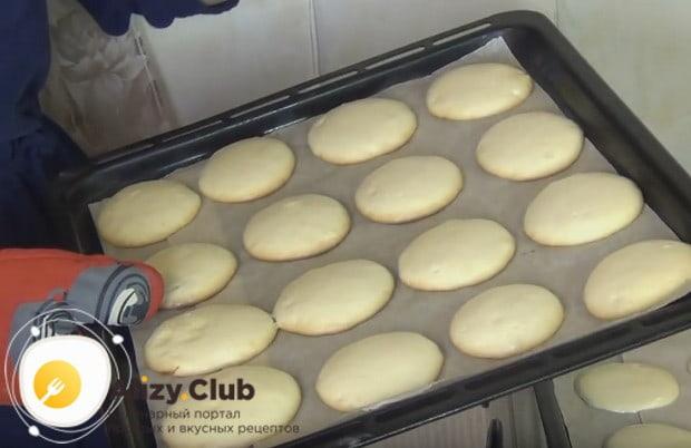 Заготовки для тортика пекутся всего 15 минут.