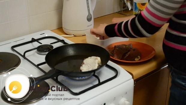 Отбивные из говядины на сковороде обжаривайте с обеих сторон