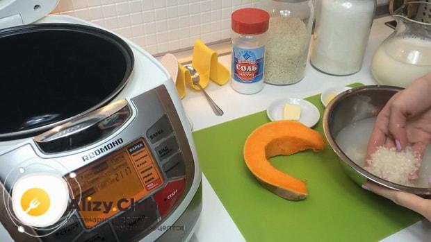 По рецепту. для приготовления молочной рисовой каши в мультиварке. промойте крупу.