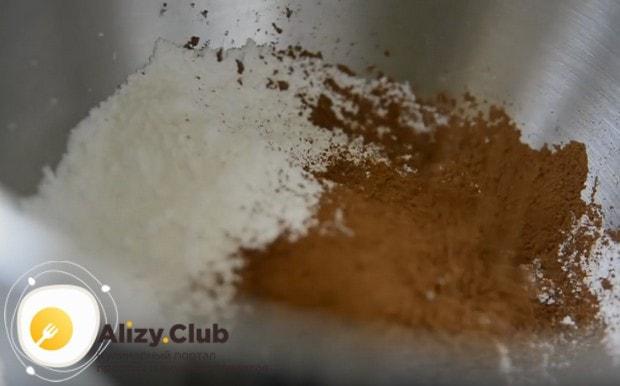 Поскольку мы готовим супер-шоколадный торт, то и ля крема буде использовать какао.