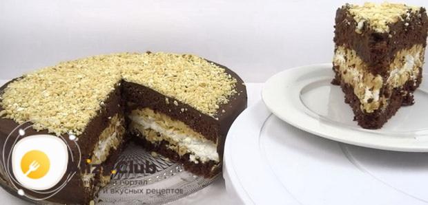Вкуснейший торт сникерс с безе готов.