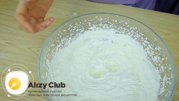 Смотрите как приготовить йогуртовый крем со сливками