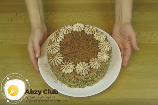 Воспользуйтесь этим простым рецептом трюфельного торта с безе и приготовьте шикарный десерт в домашних условиях.