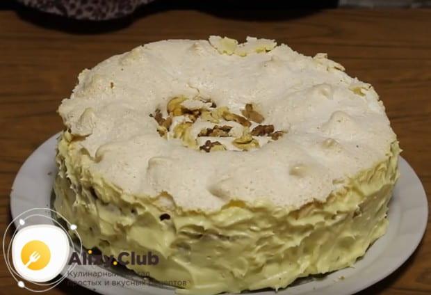 """Вот мы и приготовили роскошный """"Королевский"""" торт по классическому рецепту с безе."""