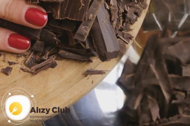 А этот рецепт с фото поможет вам приготовить шоколадно-трюфельный торт без муки.
