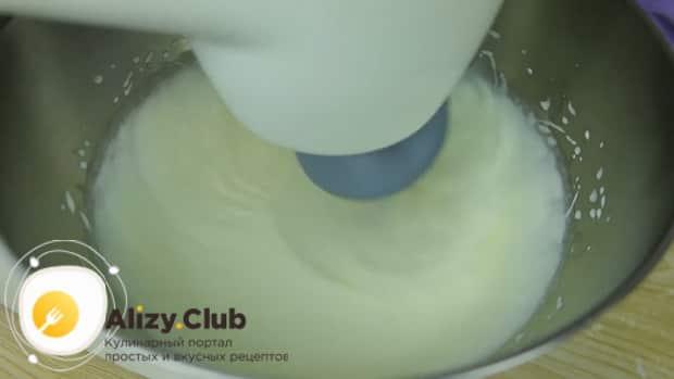 Попробуйте приготовить густой творожный крем для торта