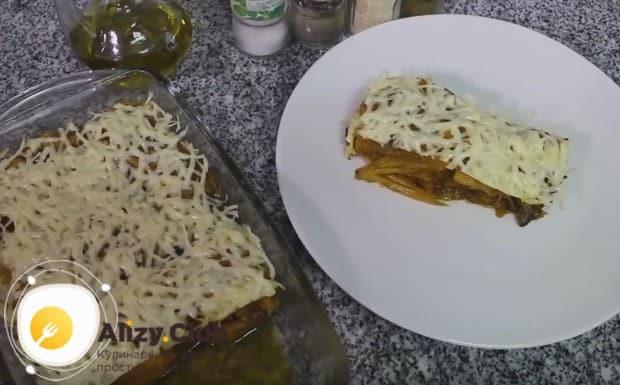 Ароматная жареная тыква на сковороде с чесноком готова!
