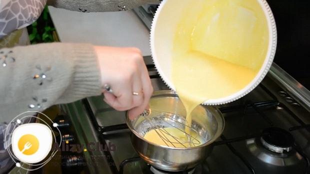 Смотрите как приготовить простой заварной крем для торта