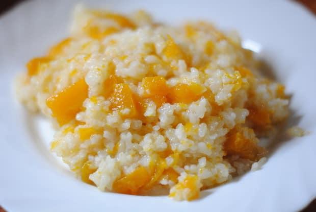 Попробуйте приготовить рисовую кашу с тыквой на молоке, очень вкуксно.