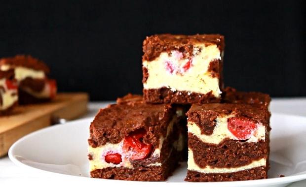 Как приготовить пирог с творогом и вишней по пошаговому рецепту с фото