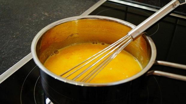 Постный морковно апельсиновый пирог готовится легко.