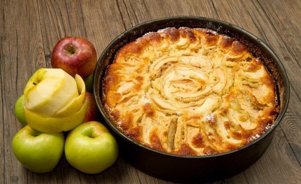 Как приготовить вкусный постный пирог с яблоками по пошаговому рецепту с фото