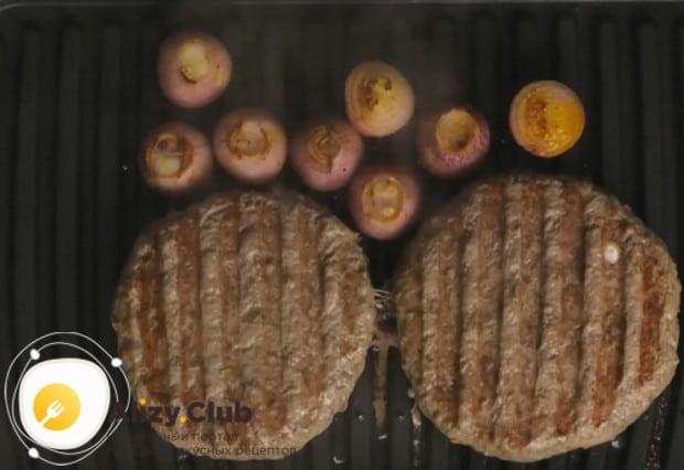 Такой же вкусный бифштекс можно приготовить по нашему рецепту с фото из свинины.