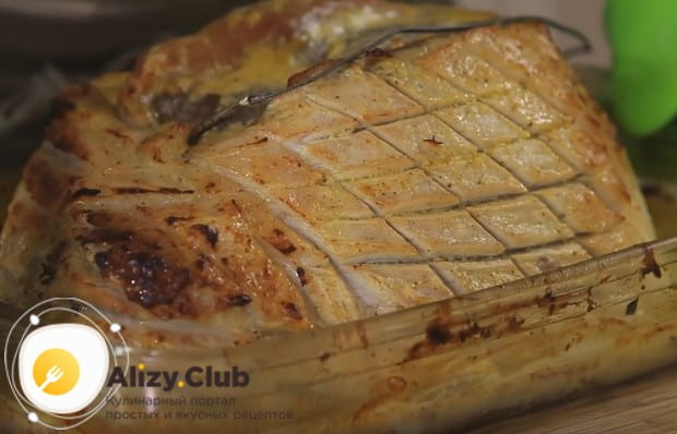 Теперь вы знаете, как приготовить просто изумительно вкусную буженину из свинины в духовке.