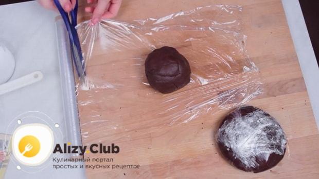 По рецепту для приготовления печенья орео, охладите тесто.