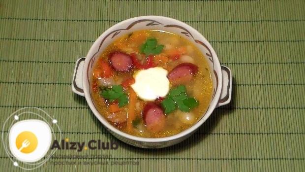 Суп с фасолью готов