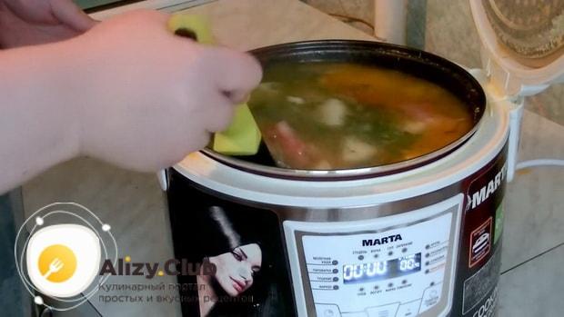 Попробуйте приготовить гороховый суп с говядиной в мультиварке