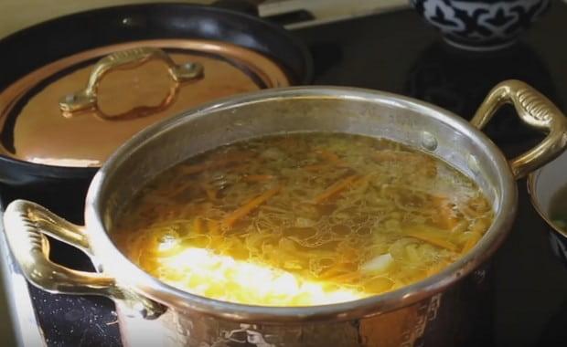 Как приготовить грибной суп из сушеных грибов по пошаговому рецепту с фото