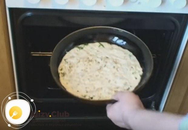 Хачапури на кефире в духовке готовится около получаса.
