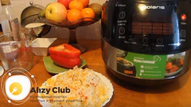 Рис с овощами выкладываем на тарелку