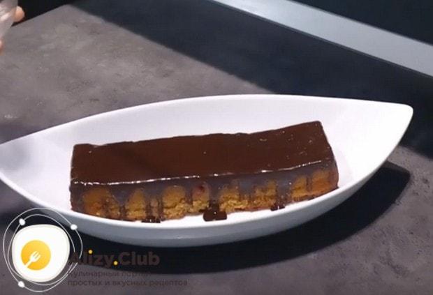 Такой десерт можно покрыть шоколадным ганашем.