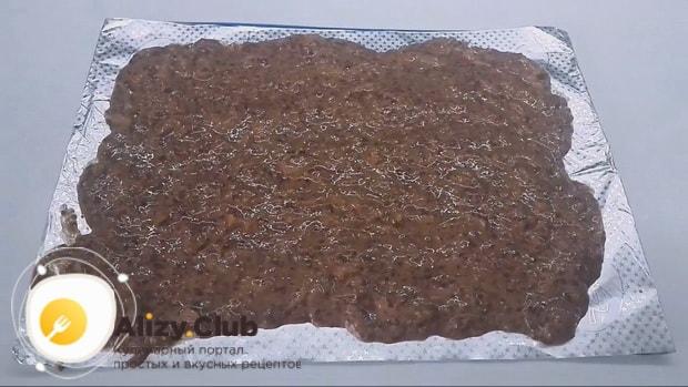 Для приготовления котлет из куриной печени подготовьте все ингредиенты