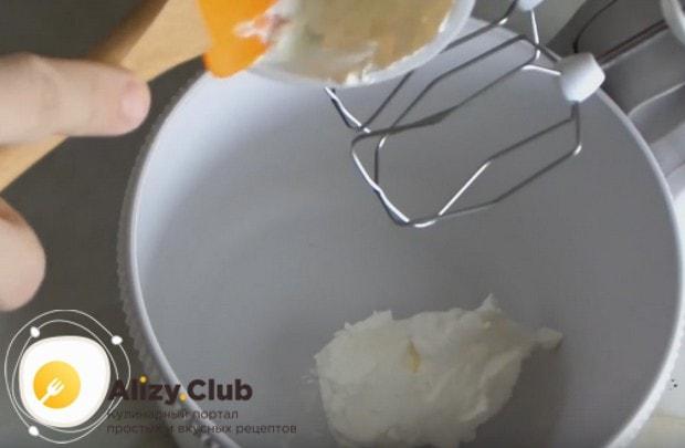 Очень легко готовится творожный крем для капкейков.