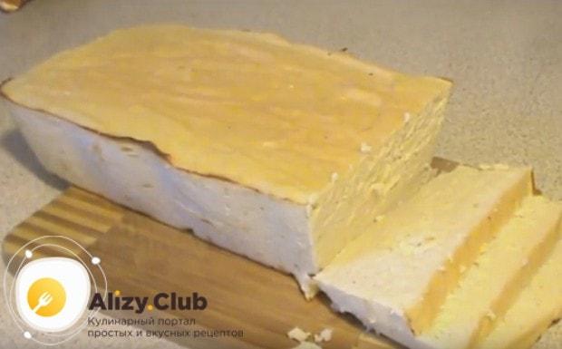 Попробуйте приготовить такой оригинальный паштет из куриной грудки в домашних условиях.