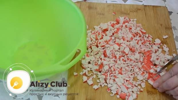Как приготовить лаваш с крабовыми палочками и сыром и яйцом: пошаговый рецепт
