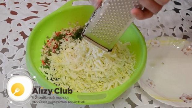 Как готовится начинка для лаваша с крабовыми палочками