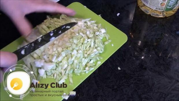 Попробуйте приготовить ленивые пирожки с яйцом и зеленым луком