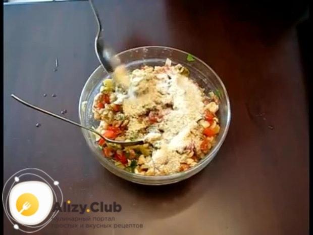 Получившуюся смесь солим и перчим